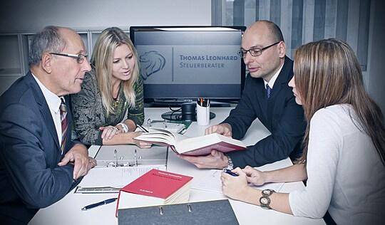 Steuerberater Leonhard Besprechung